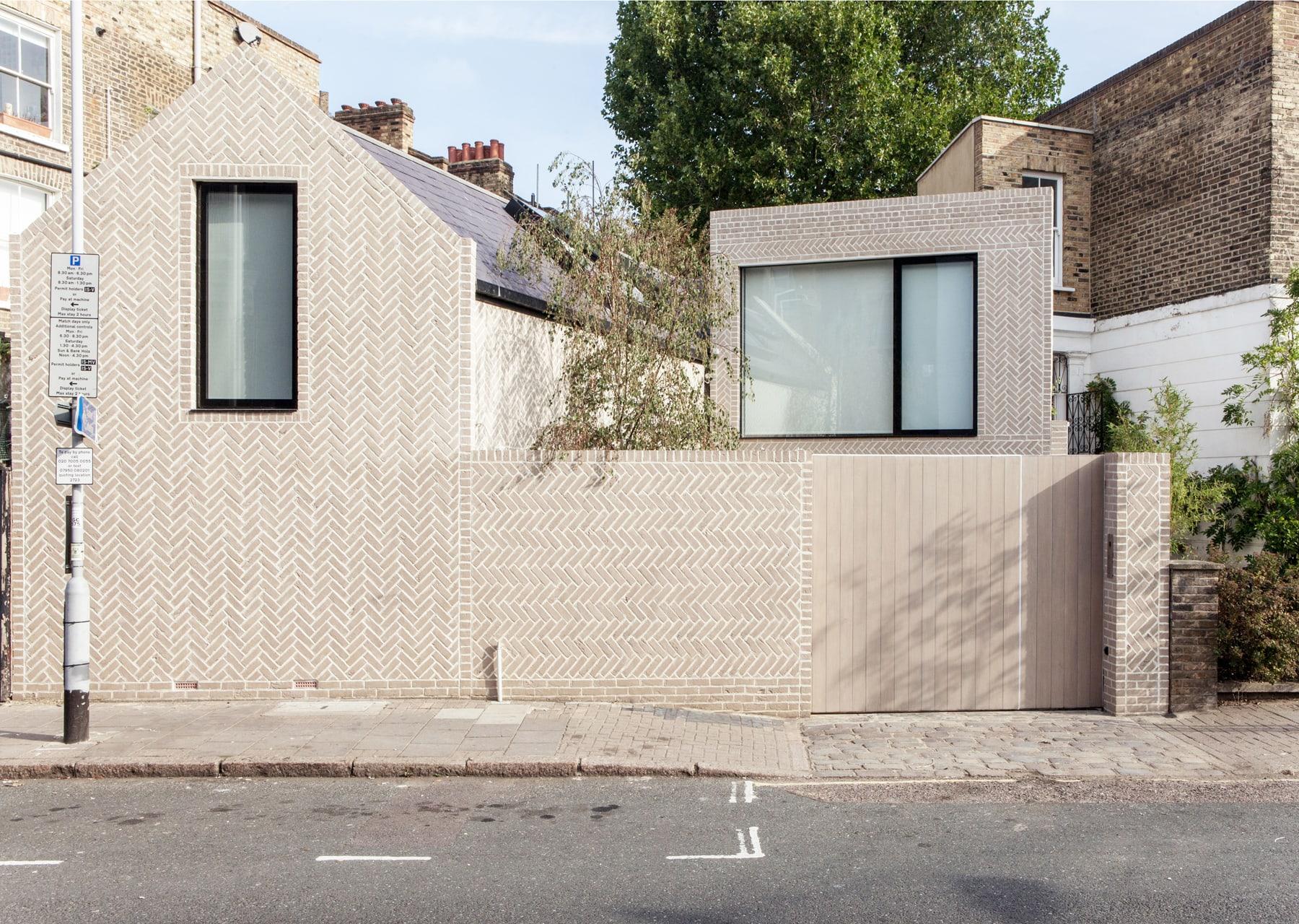 The Herringbone House - Chan + Eayrs